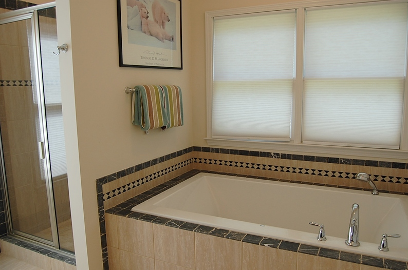 2-Person soaking tub