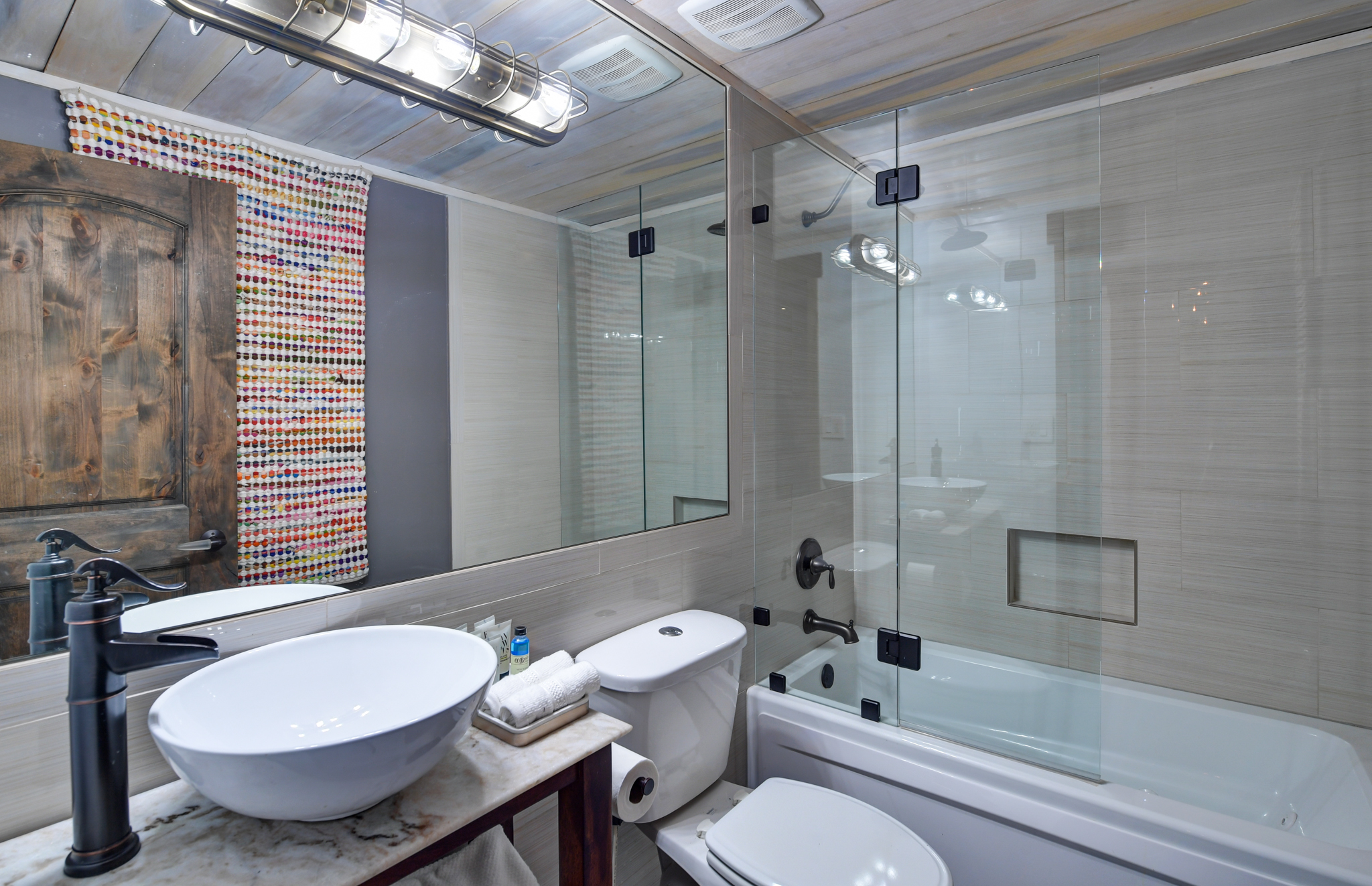 Guest bathroom on upper level
