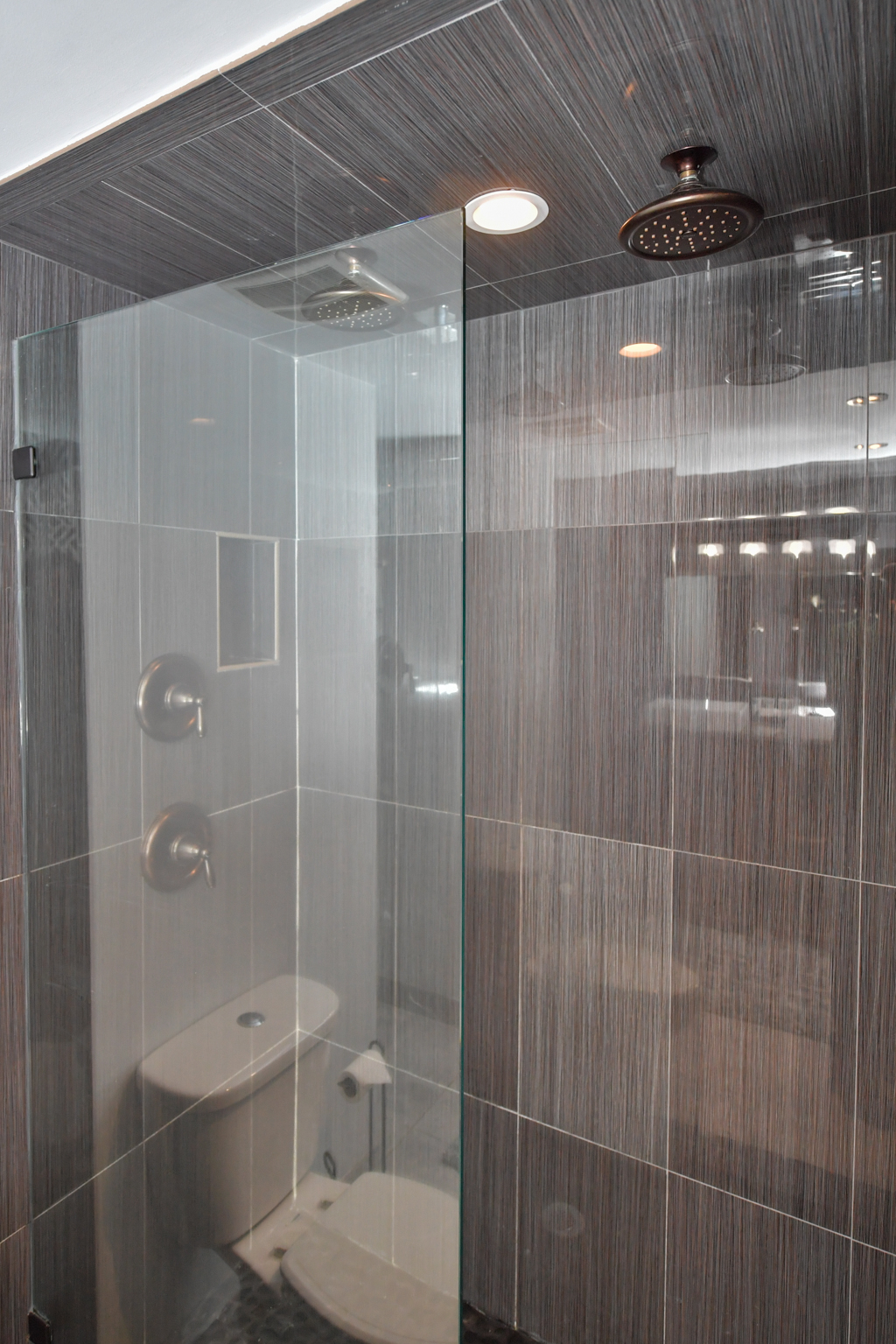 Master shower with double rain shower head